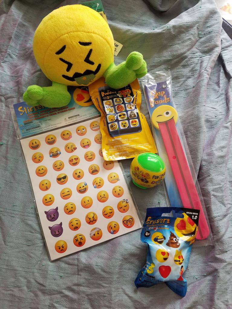 emojiez toys